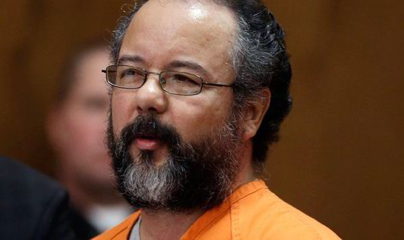 Ariel Castro looks to the judge during his trial