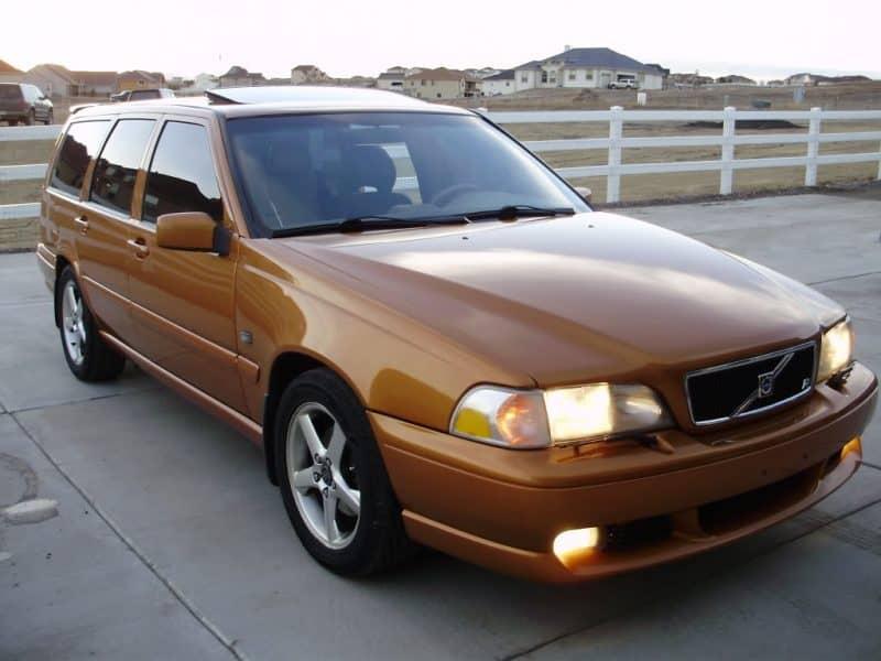 Volvo V70 R Front